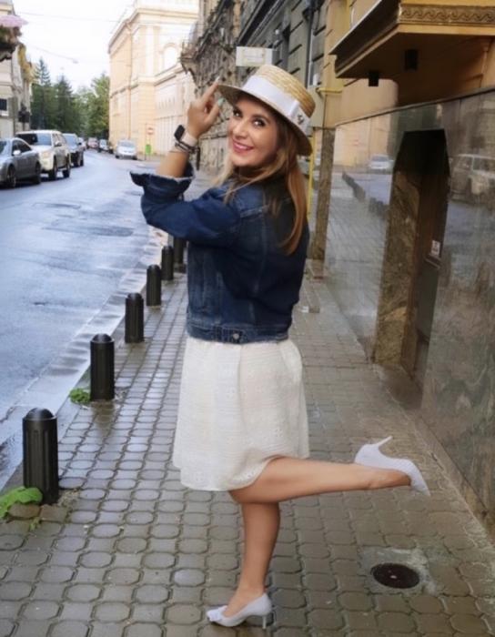 Canotiera Handmade din paie cu funda Alba si albina - Luxury Edition 6